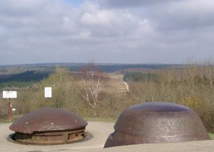 Blick über den Panzerturm des Forts Douaumont nach Norden