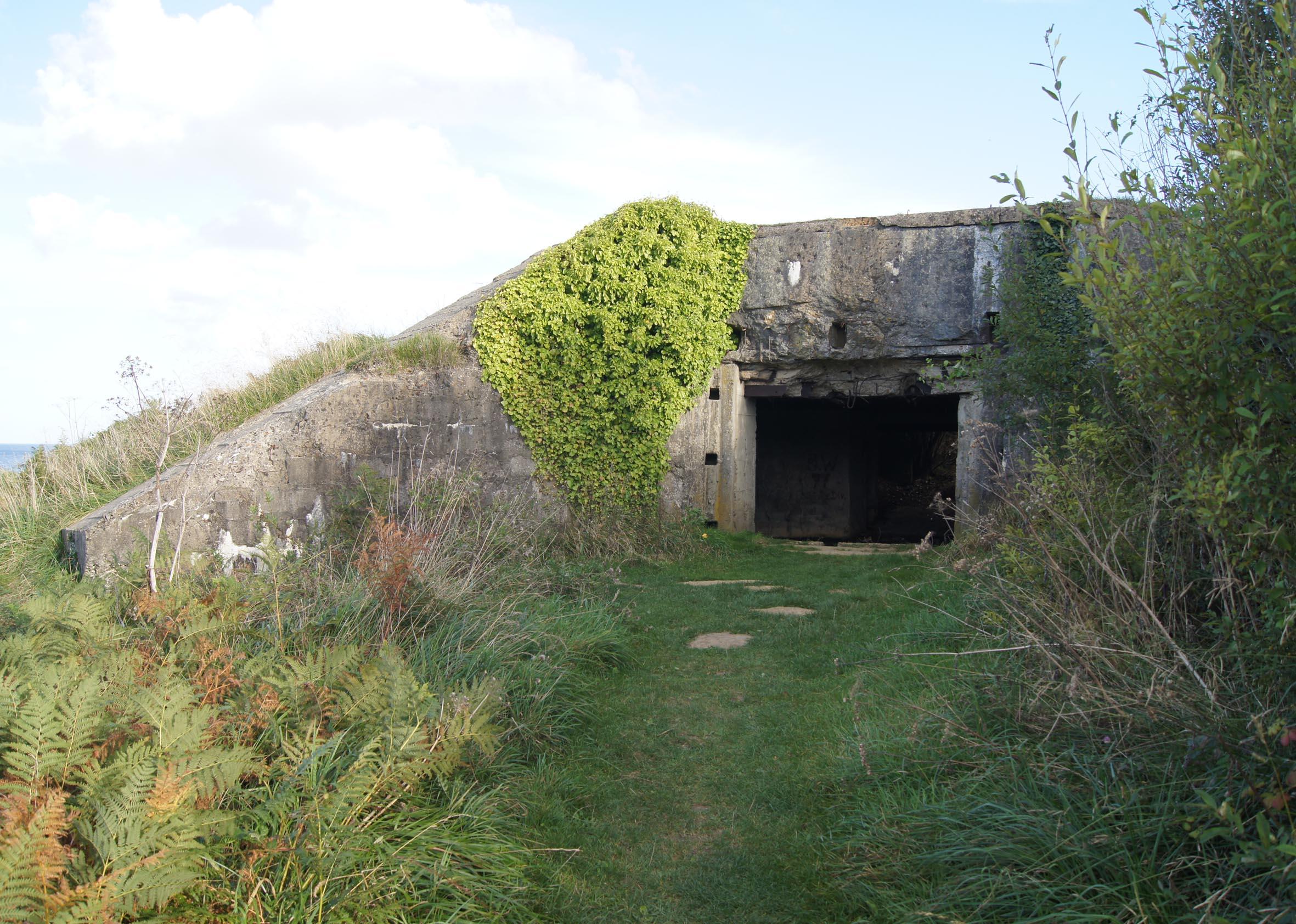 Deutscher Geschützbunker oberhalb des Omaha-Beaches