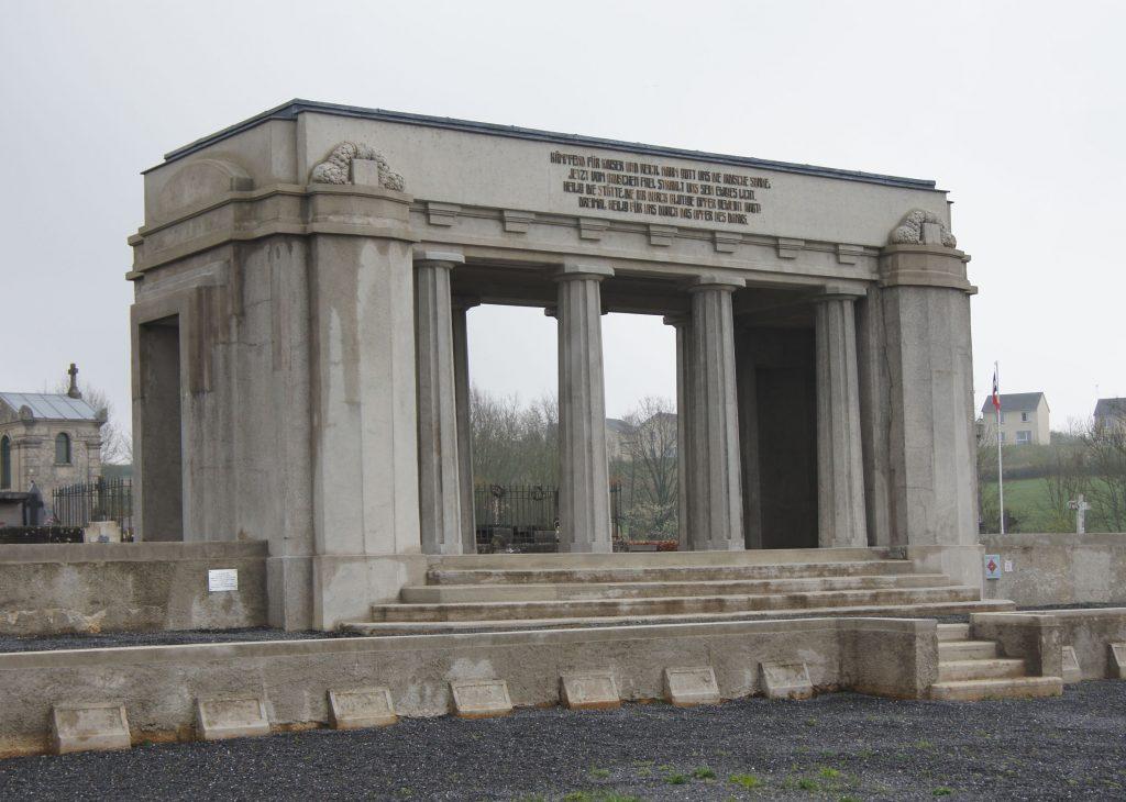 Restauriertes deutsches Denkmal in Sedan