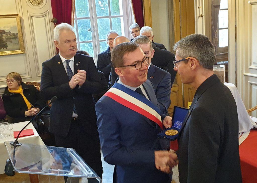Auszeichnung von Herrn Bürgermeister Stefan Raetz, Philipp Lerch und Markus Klauer