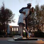 Skulptur vor dem Bastogne Historical Center