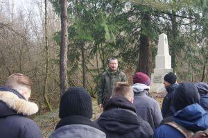 Markus Klauer bei einer Führung in Verdun hinter dem Fort Douaumont