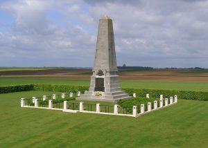 Denkmal der 1. australischen Division am Ortsrand von Pozières