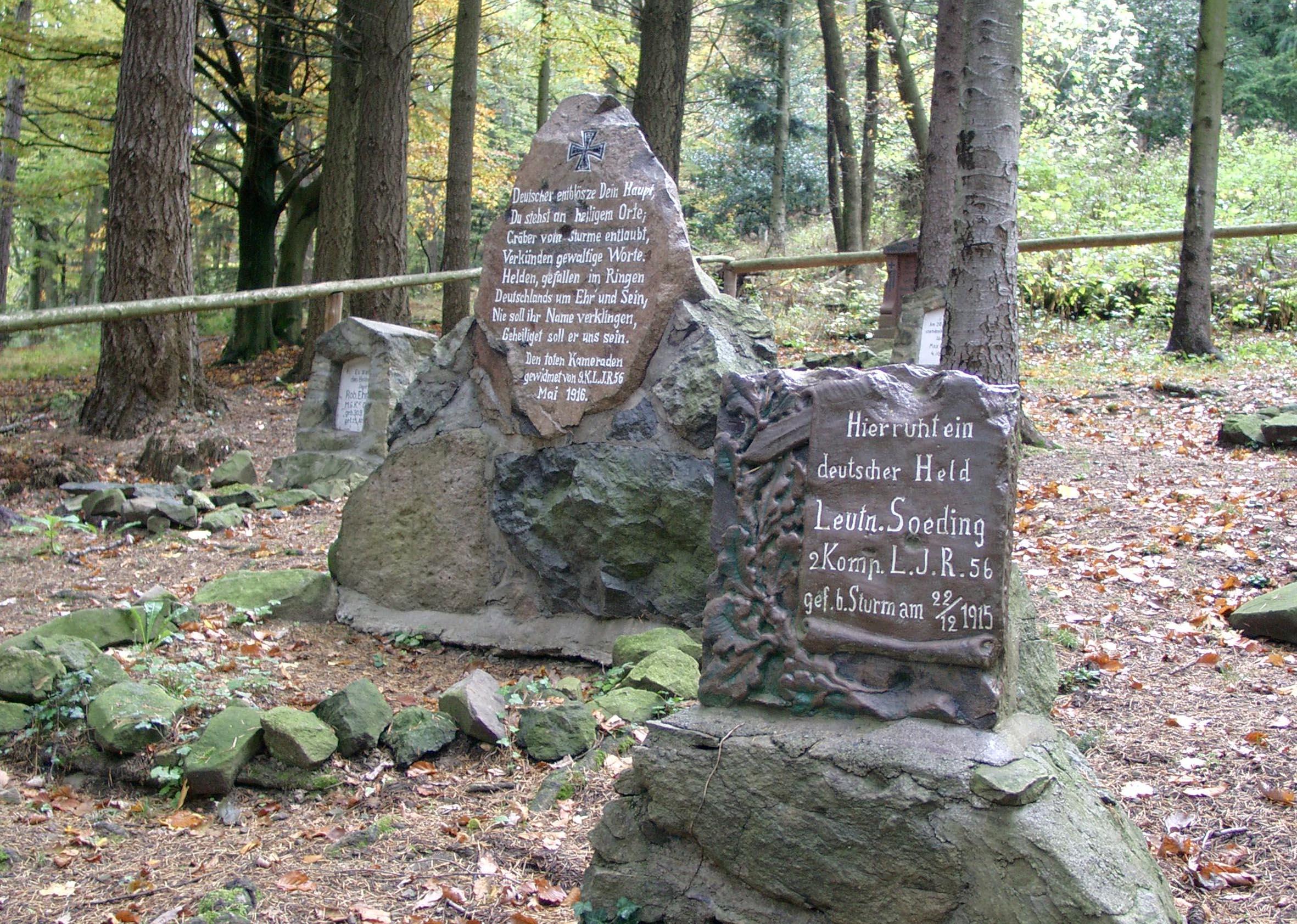 Jägerfriedhof am Fuß des Hartmannsweilerkopfes