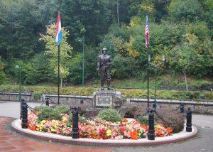 Denkimal in der Ortschaft Clervaux zur Erinnerung an die Amerikaner, die Luxemburg und Clervaux befreit haben